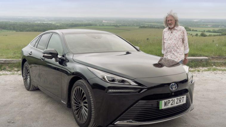 James May kan eindelijke rijden in zijn Toyota Mirai