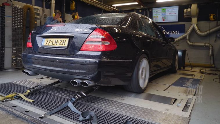 Op de Rollenbank - Mercedes-Benz E55 AMG