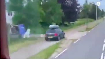 Volkswagen-bestuurder haalt via fietspad in