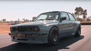BMW E30 met supercharged V8